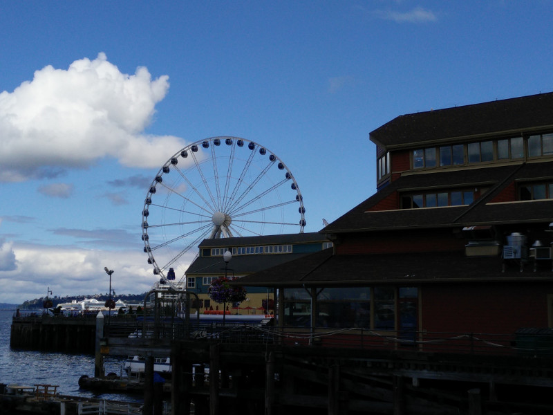 Seattle Great Wheel, look from the waterfront